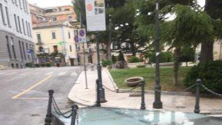 Vasto, Piazza Rossetti atto vandalico
