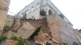 Frana Palazzo d'Avalos: una immagine impressionante