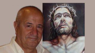 Il pittore Cesare Giuliani dinanzi ad una sua opera