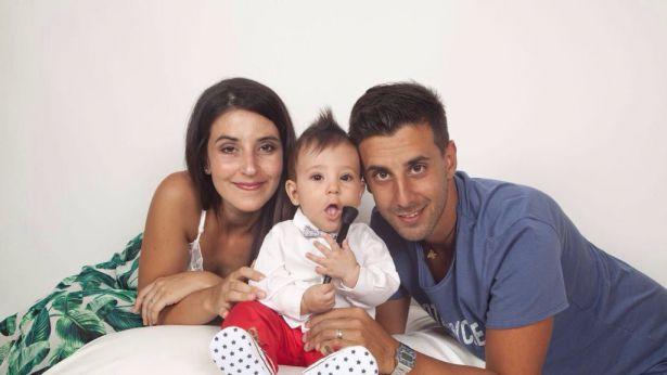 Il piccolo Leonardo con i suoi cari genitori