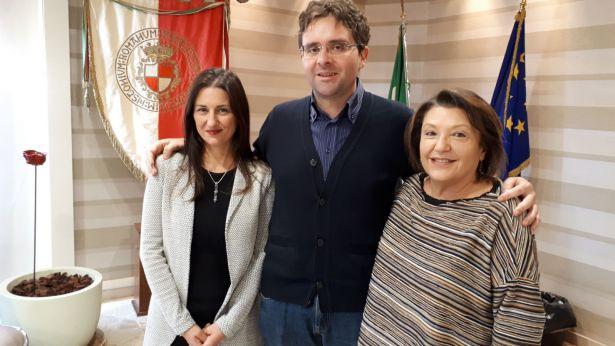 Il Sindaco Menna con la nuova segretaria Angela Erspamer