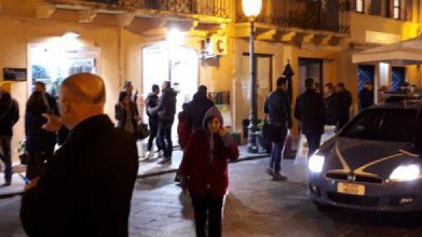 Vasto: una immagine scattata subito dopo la rapina alla gioielleria Scafetta