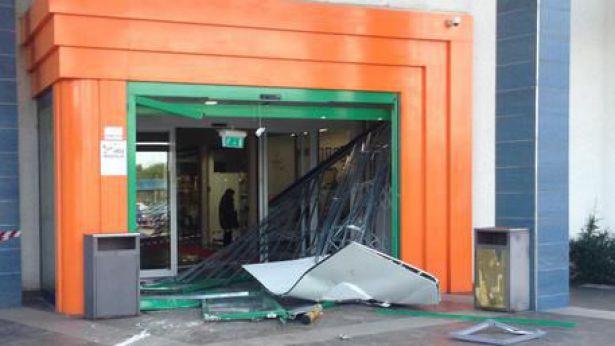 Il Bancomat distrutto a San Salvo
