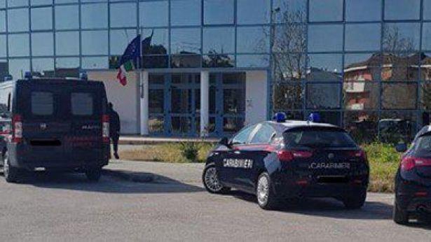Carabinieri nelle scuole per controlli antidroga