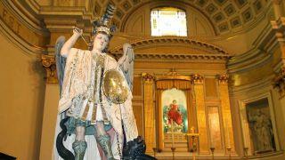 La statua di San Michele esposta nella Chiesa di Santa Maria Maggiore
