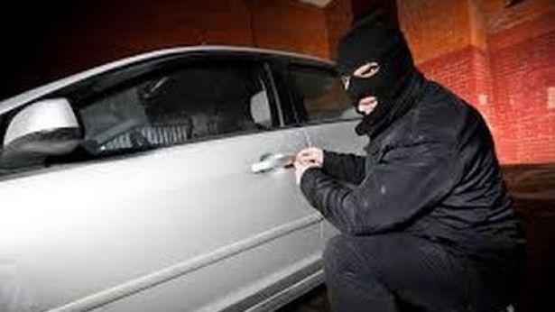 Ladro di auto