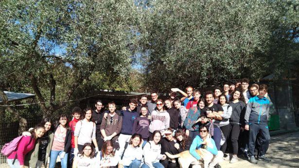 Gli studenti del Mattei in visita al canile comunale