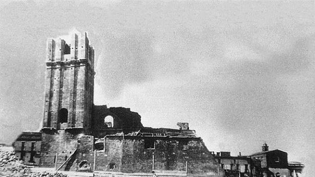 La Chiesa di San Pietro nel corso della demolizione