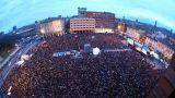 Bologna: la piazza stracolma di cittadini