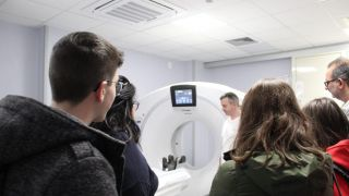 La visita nel reparto di Radiologia da parte degli studenti