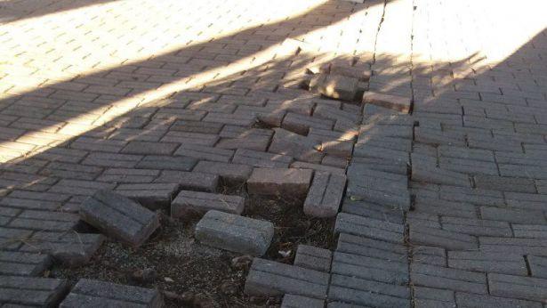San Salvo: quel che rimane della pavimentazione della Villa cmunale