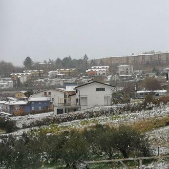 Campobasso con i tetti imbiancati