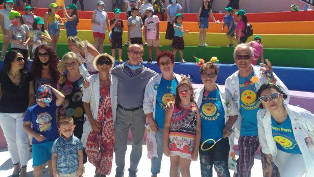 A Fresagrandinaria festa di fine anno scolastico con Ricoclaun