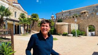 Gianni Morandi sulla Loggia Amblingh