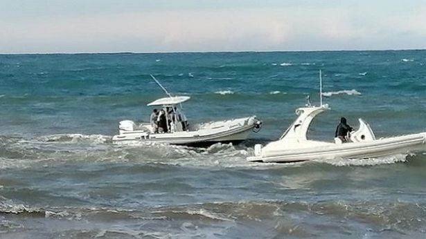 Soccorsi in mare per i due autisti