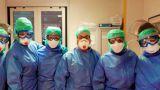 Infermieri che combattono il Coronavirsu