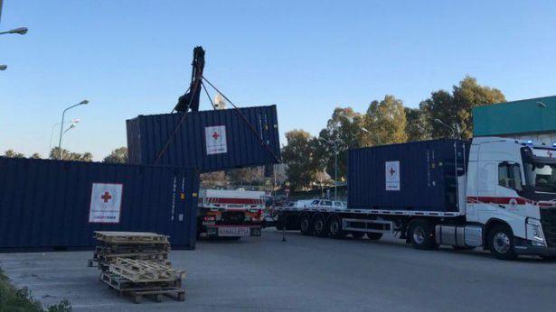 Lo scarico del container a Termoli