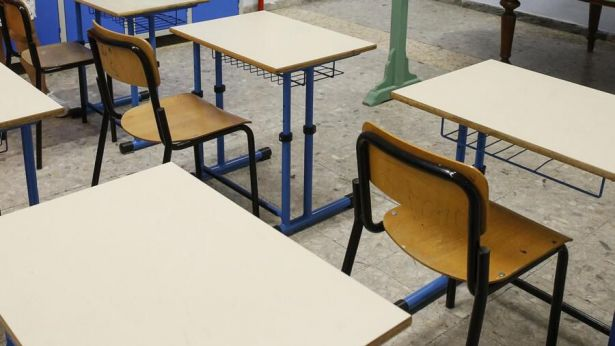 Banchi di una scuola